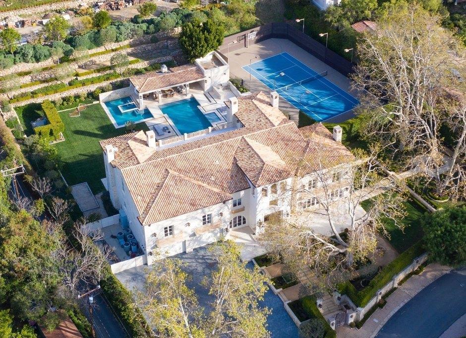 Особняк в Малибу, который планируют арендовать Меган Маркл и принц Гарри / фото Daily Mail