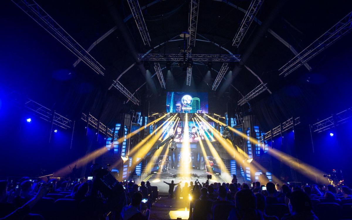 Турнир по Dota 2 проходил в Киеве на ВДНХ / weplay.tv