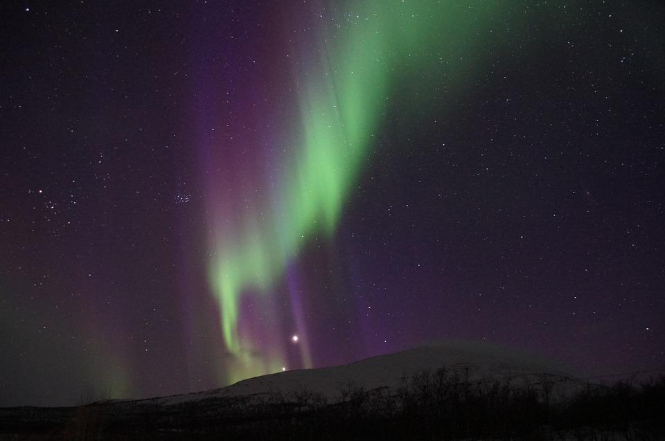 Иллюстрация: северное сияние / фото pixabay.com