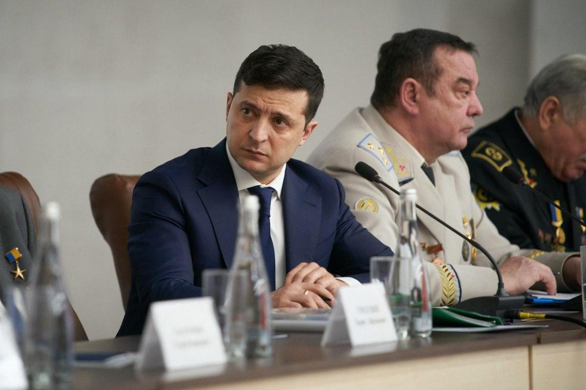 Владимир Зеленский призвал представителей правительства посетить шахтерские городки / фото president.gov.ua