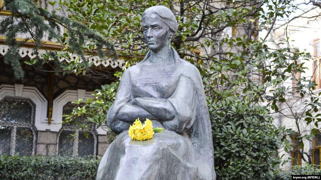 Леся Украинка: 149 лет со дня рождения поэтессы / фото krymr.com