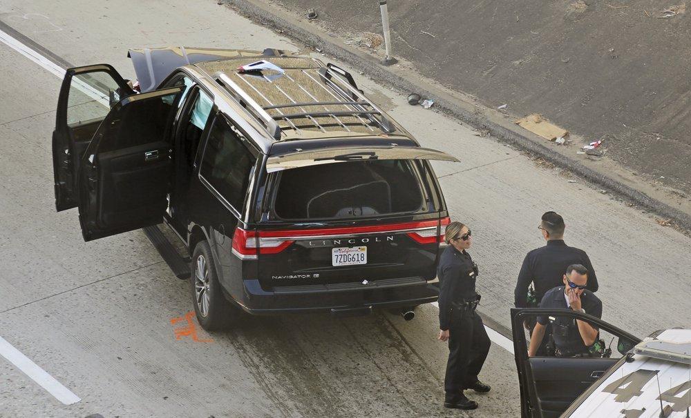 Поліція влаштувала погоню за чоловіком, який викрав катафалк \ The Associated Press