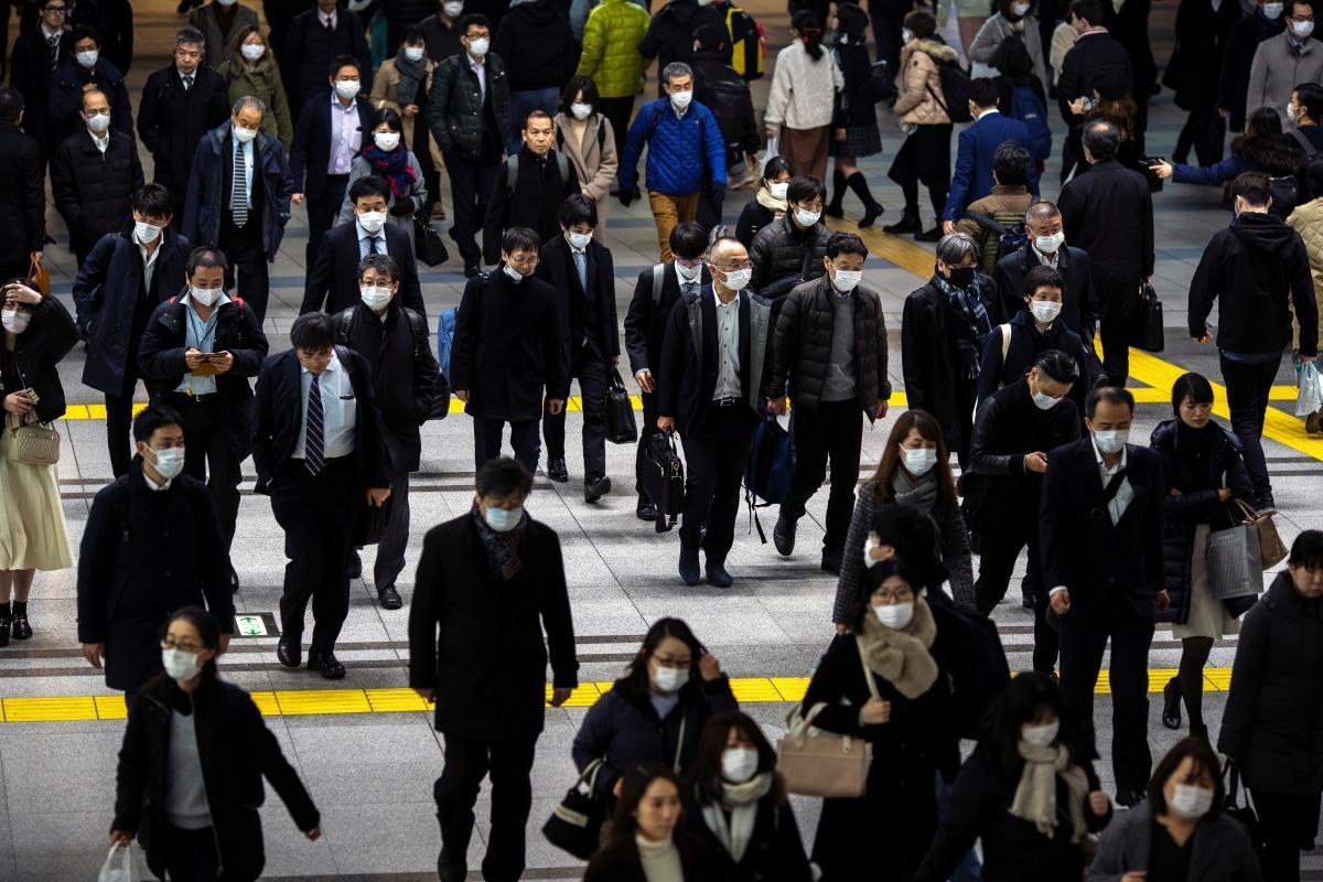 В мире с начала пандемии COVID-19 заболели более 50,9 млн человек / иллюстрация REUTERS