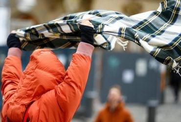 Сильные дожди и штормовой ветер: спасатели предупредили о перемене погоды