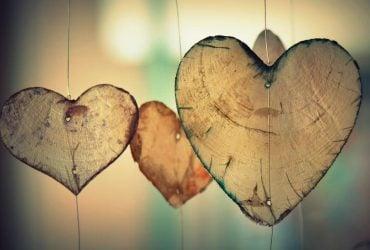 Астрологи назвали три знаки Зодіаку, які зустрінуть свою любов у квітні
