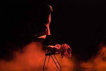 Ногами кверху: Тина Кароль в замысловатых позах устроила эротическое шоу на сцене Нацотбора на Евровидение (фото)