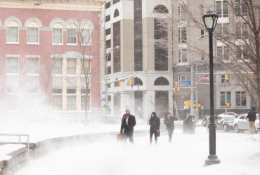 Американський штат Нью-Йорк накрив сильний снігопад