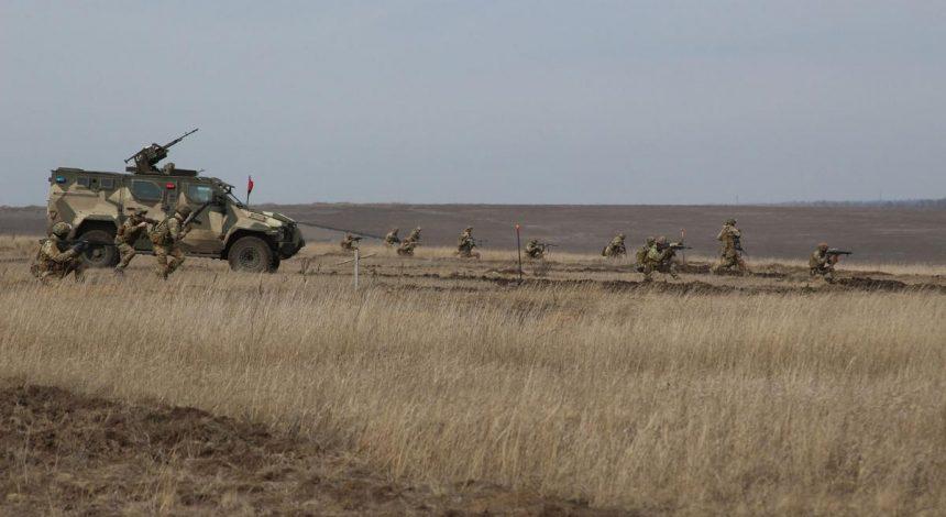 Танки, гаубицы и ЗРК: в ОРДЛО зафиксировали огромное скопление военной техники