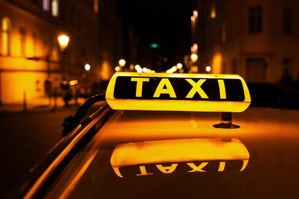 В Мюнхене женщинам будут давать скидки на ночные поездки на такси / depositphotos.com