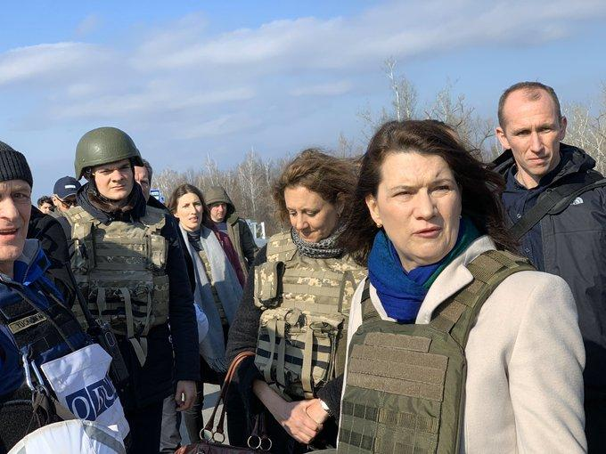 Sweden's MFA visits Donbas/ Photo from twitter.com/AnnLinde