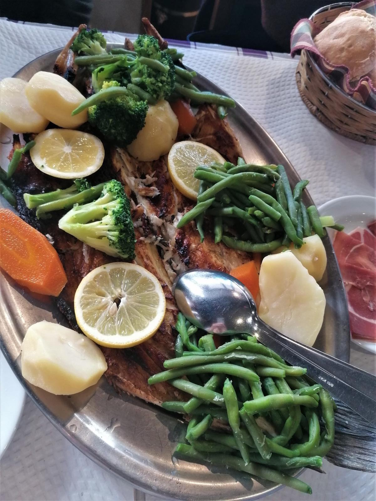 Португальская кухня - это очень сытно / Фото автора