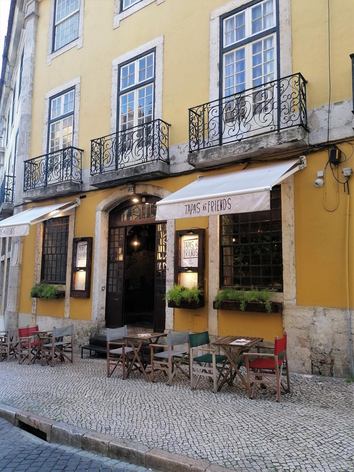 Типичная кафешка в Лиссабоне / Фото автора
