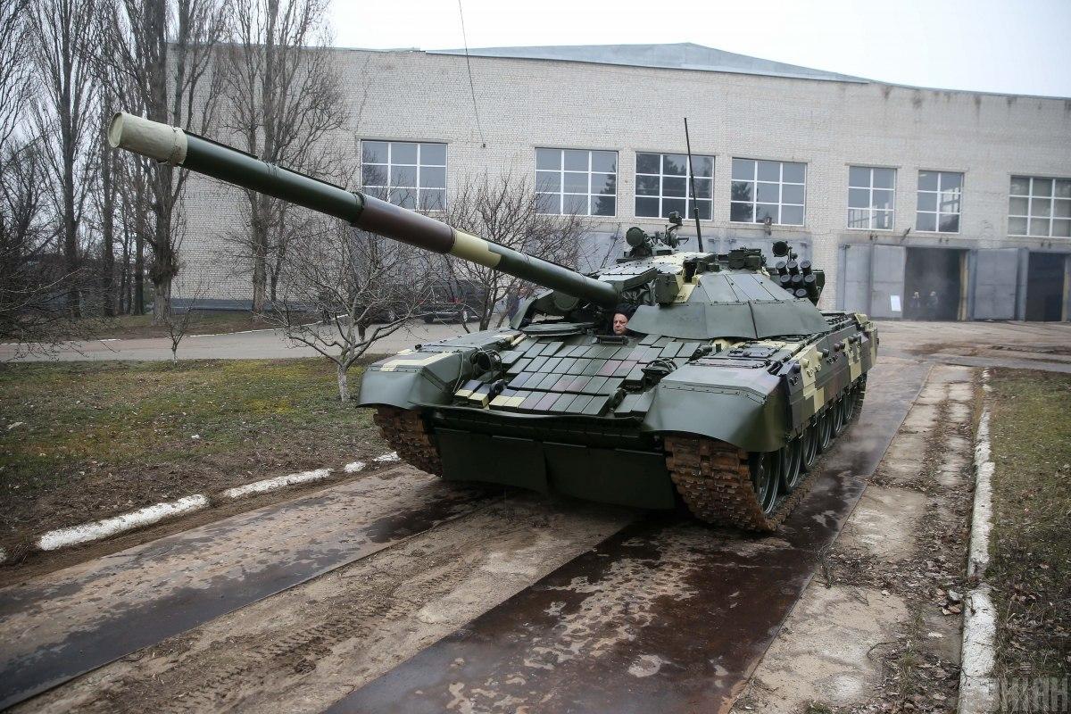 Модернизированный Т-72 имеет увеличенную массу / фото УНИАН
