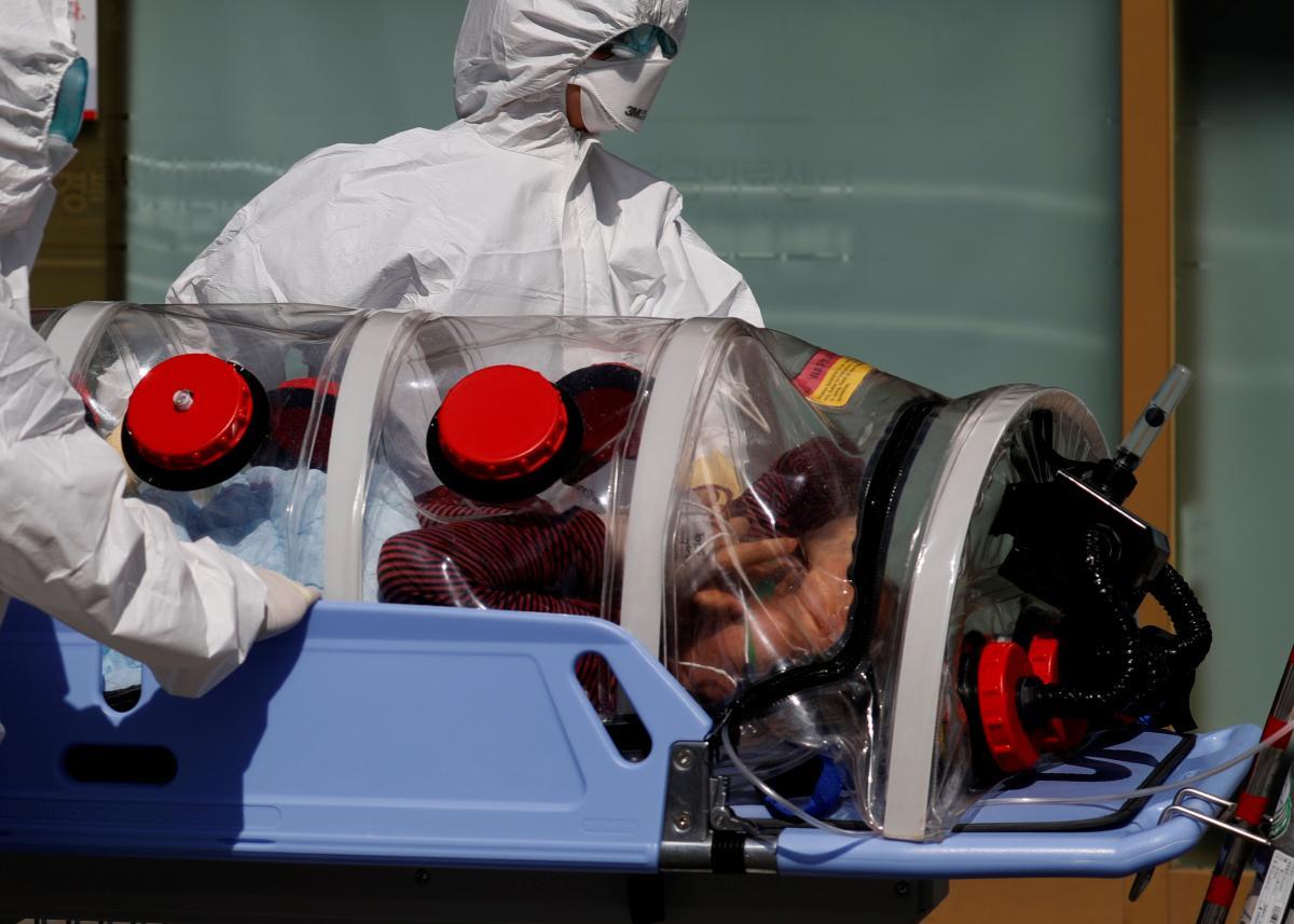 Китайские ученые говорят о прорыве в борьбе с коронавирусом / REUTERS