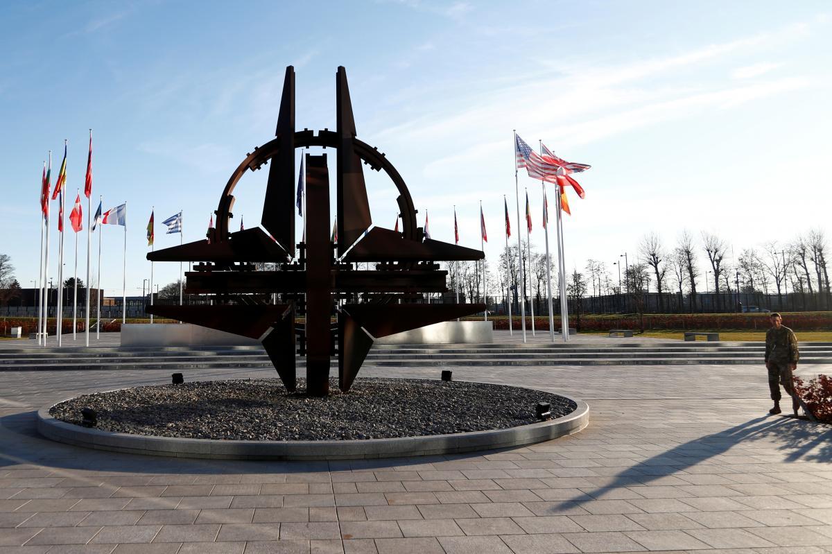 Блінкен здійснює перший візит у штаб-квартиру НАТО на своїй новій посаді / фото REUTERS