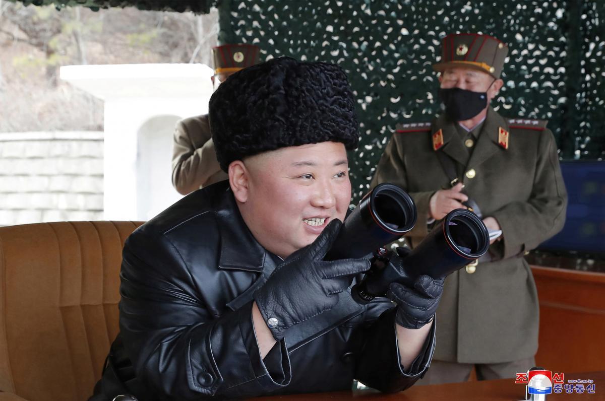 """За даними південнокорейської розвідки, Кім Чен Ин останнім часом робив """"безрозсудні вчинки"""" / ілюстрація REUTERS"""