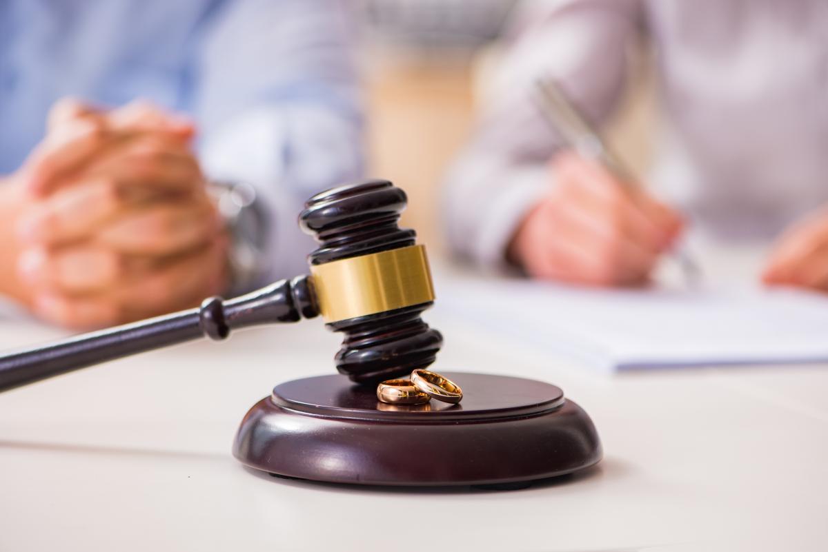 В Литве суд отказался признавать свидетельство о расторжении брака, выданное в Крыму / фото ua.depositphotos.com