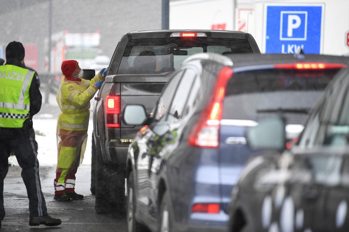 Австрія посилює перевірки на кордоні через коронавіруса / Фото REUTERS