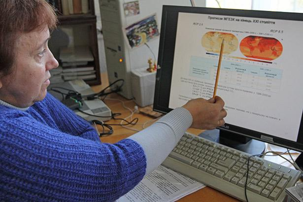 Віра Балабух нагадує про вплив людей на клімат /фото: gorod-online.net/