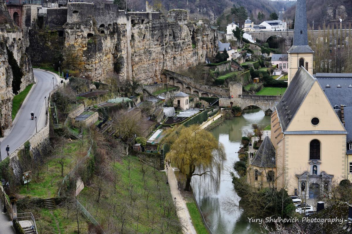 Люксембург побудований посеред руїн замку / фото Yury Shulhevich