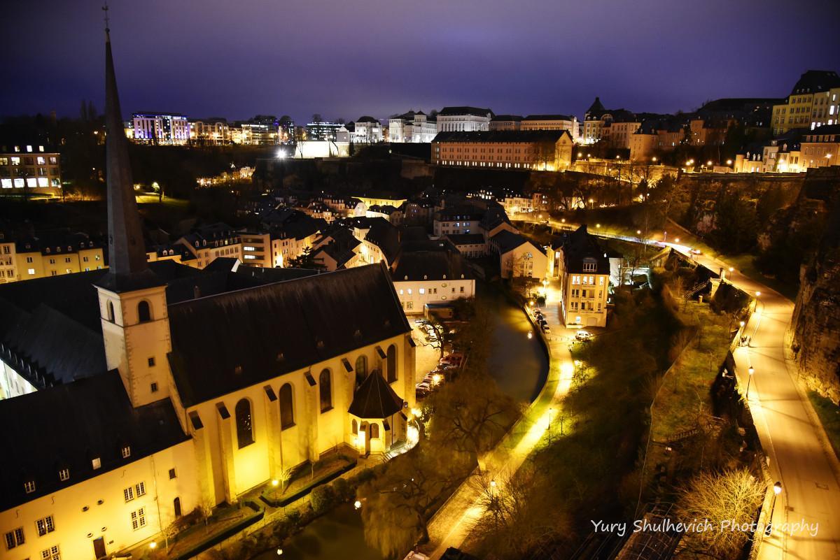 Люксембург ввечері чарівний / фото Yury Shulhevich