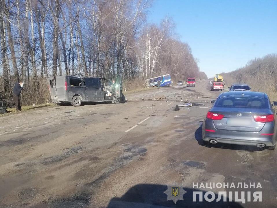 У Сумській області внаслідок ДТП з автобусом загинуло троє осіб / фото Нацполіції