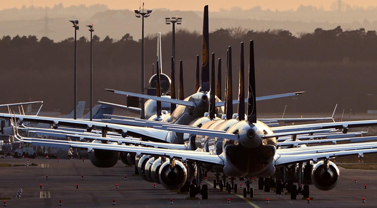 Кабмин рассмотрит внесение 13 российских авиакомпаний в санкционный список / REUTERS