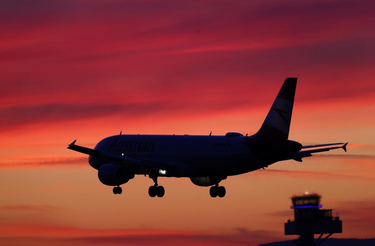 Кабмин готовит программу поддержки украинских авиаперевозчиков / REUTERS