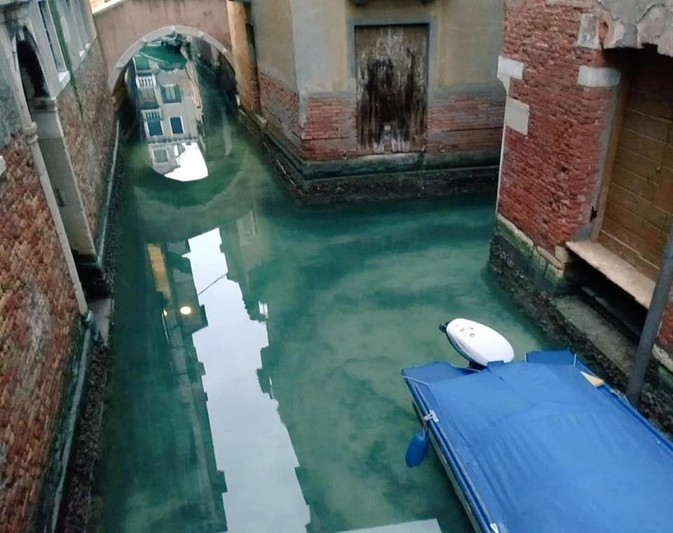 Відсутність туристів позитивно вплинула на якість води у каналах / Фото: eurointegration.com.ua