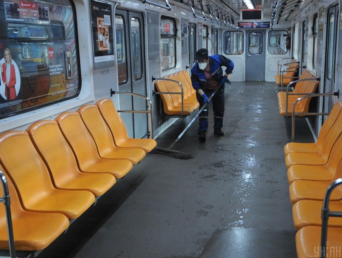 В метро будут действовать ограничения допуска пассажиров на станции и в поезда / УНИАН