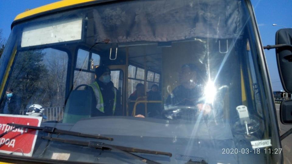 В некоторых маршрутках Днепра ездить небезопасно/ фото УНИАН