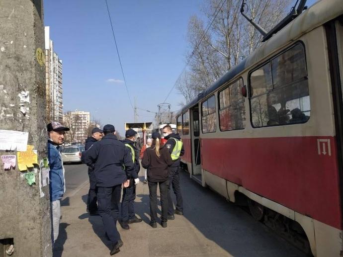 В Киеве временно не ходили трамваи на Троещине / УП