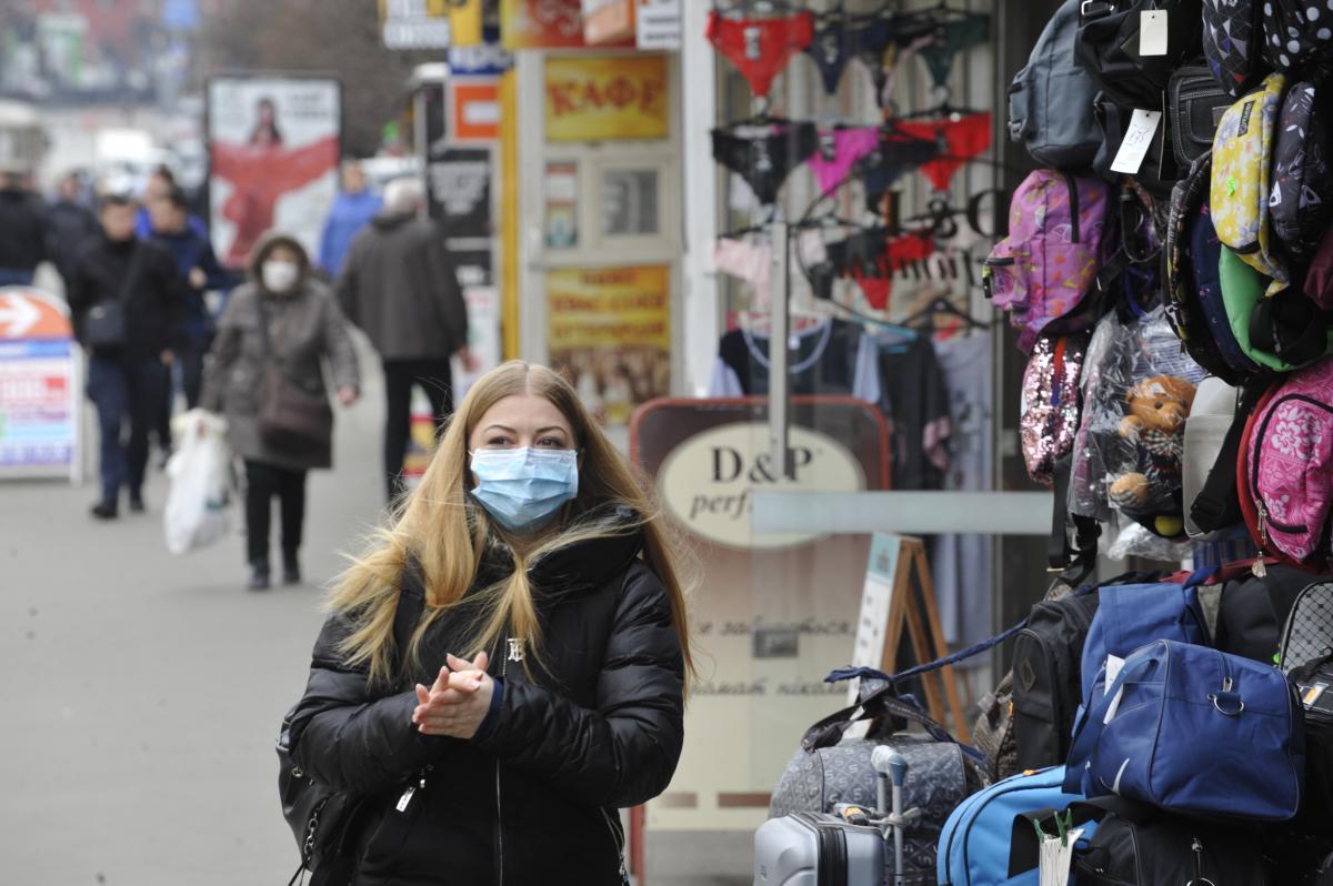 В Україні серед інфікованих коронавірусом багато молоді / Фото: УНІАН