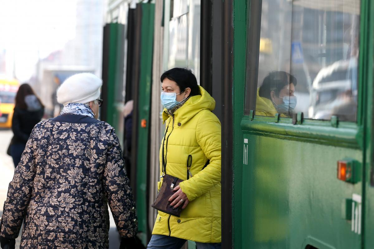 За все время пандемии в Украине обнаружили более 2 млн случаев COVID-19 / фото УНИАН