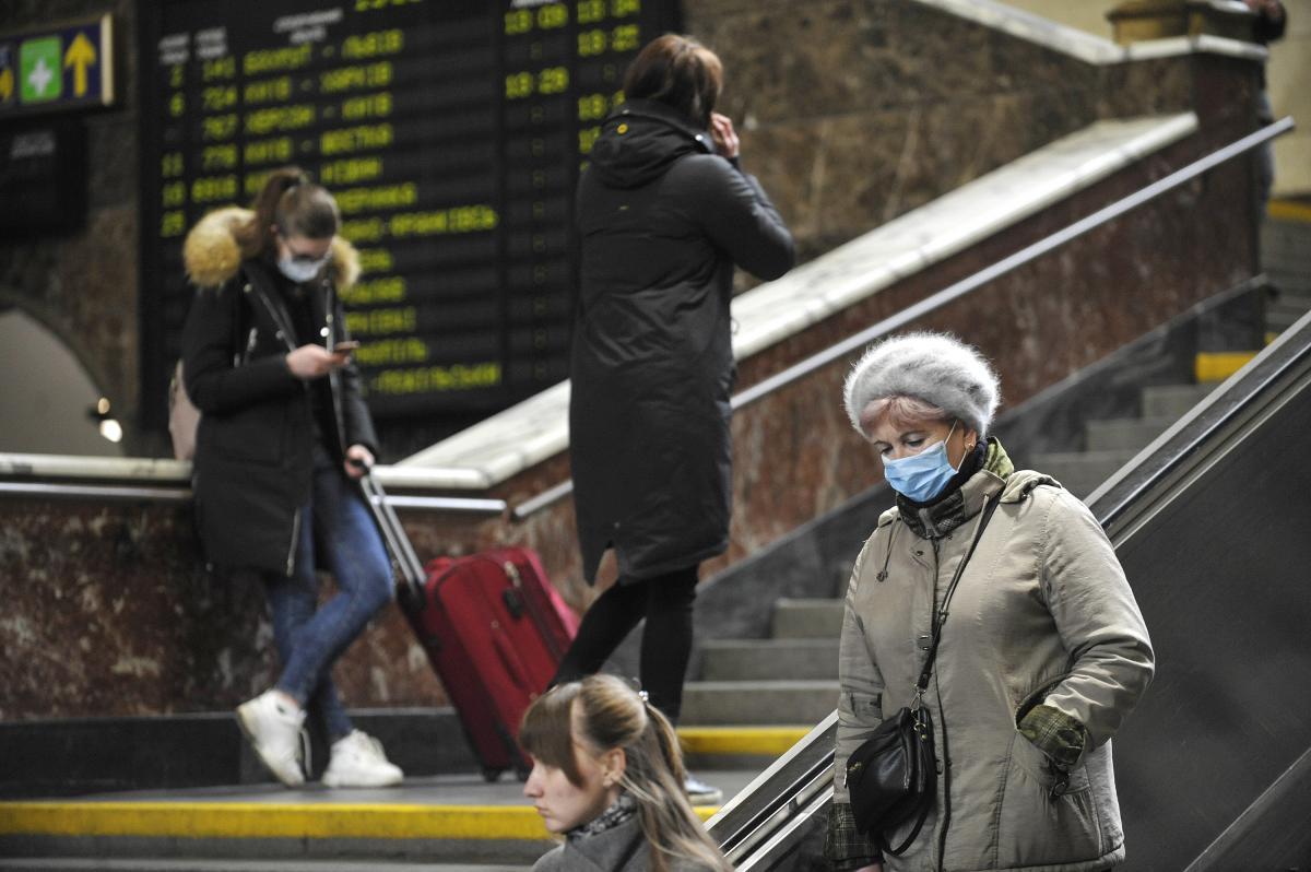 Поезда в страну привозят украинцев из-за границы / УНИАН