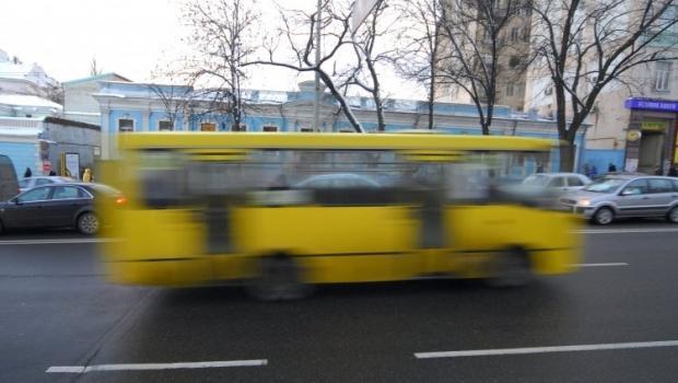 Водитель перевозил 19 пассажиров одновременно вместо 10 / фото УНИАН