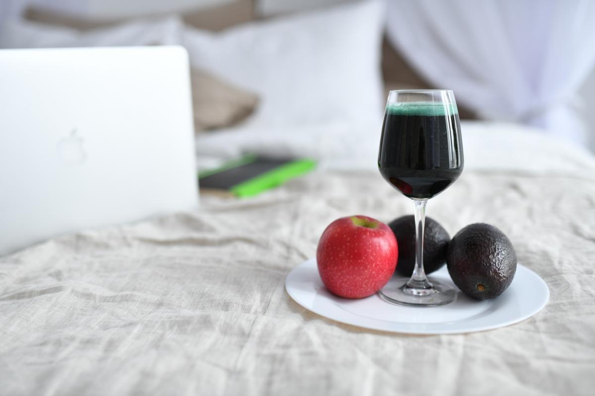 Дієтолог рекомендуєробити акценти на сирій їжі без обробки та ферментованій / фото: Мирослава Ульяніна