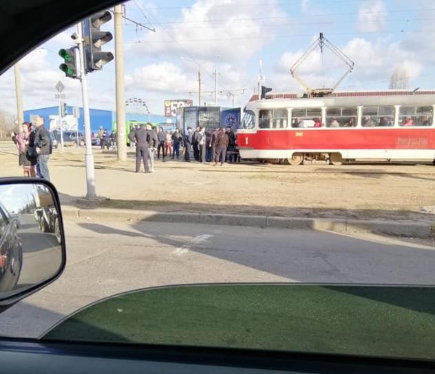 В Харькове сбой в движении трамваев / фото Facebook Юрий Сидоренко