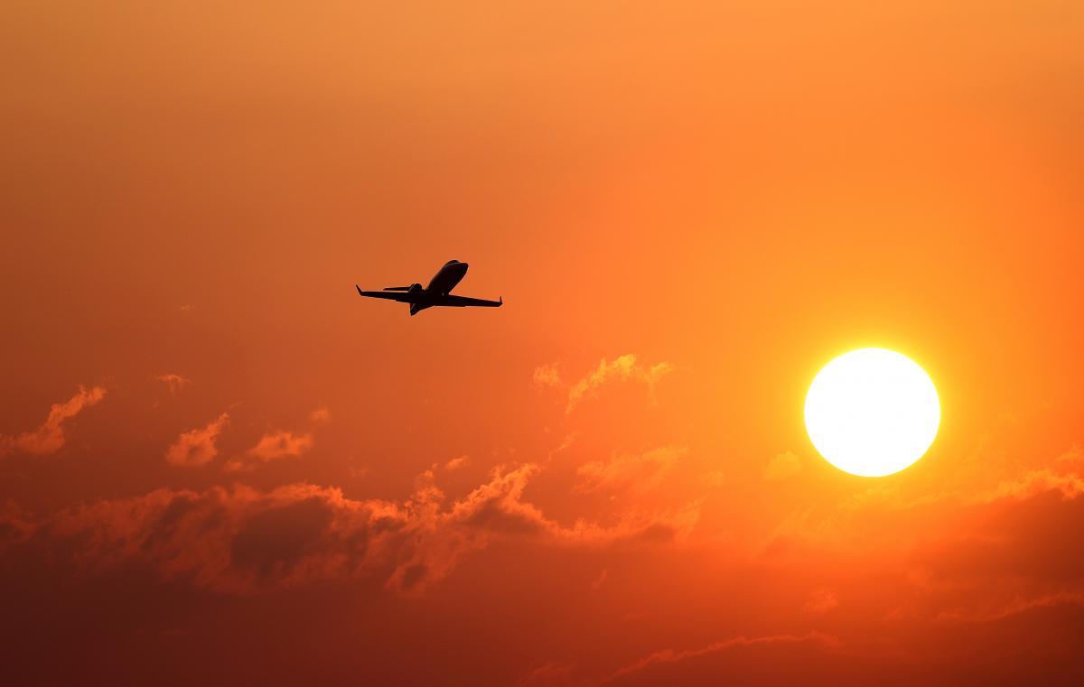 Требования касаются лиц, прибывающих в Польшу самолетами / фото REUTERS