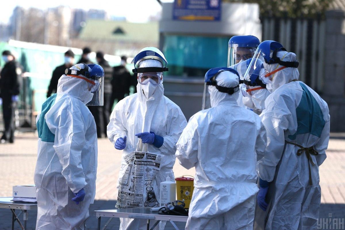 Кількість заражених коронавірусом продовжує зростати / Фото УНІАН