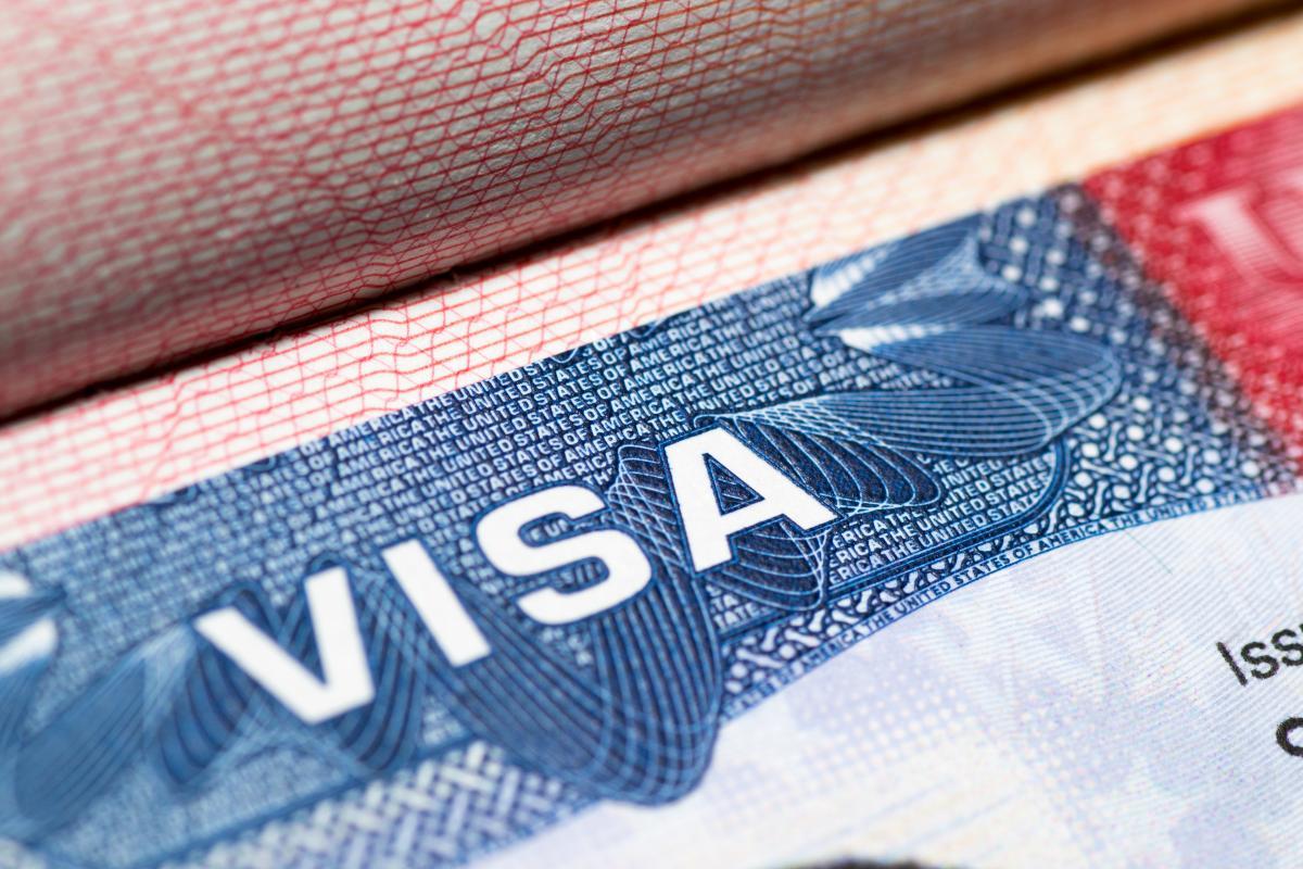 США приостановили выдачу виз / фото Depositphotos