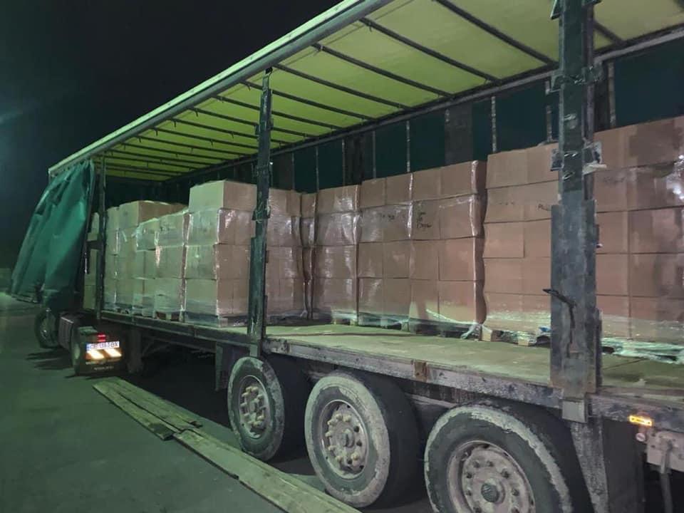 На Волыни правоохранители задержали грузовик с 20 тоннами фальсифицированных антисептиков / фото прокуратуры Волынской области