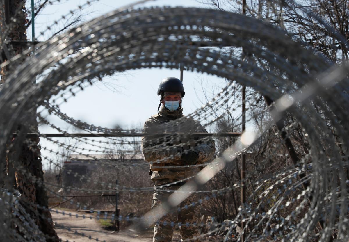 У Украины нет большого выбора на Донбассе / фото REUTERS