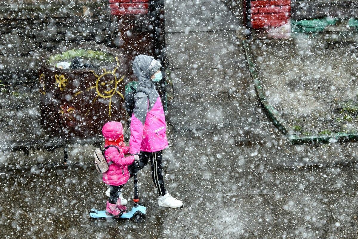 Сегодня в некоторых областях ожидается мокрый снег / Фото УНИАН