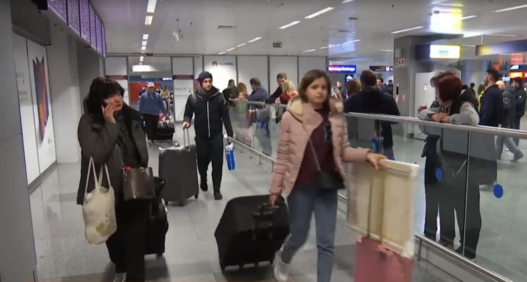 Українці з різних країн прагнуть повернутися додому / скріншот