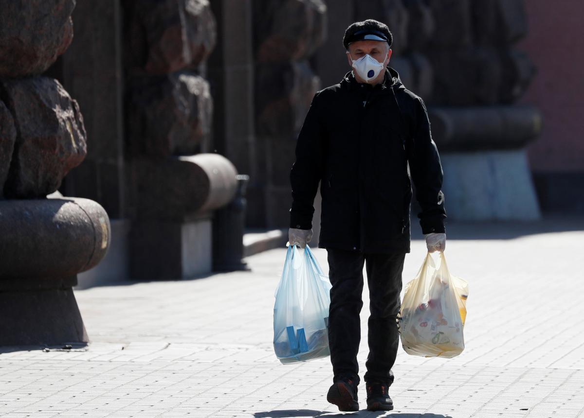 Более 40 тыс. украинцев стали жертвами коронавируса / Иллюстрация REUTERS