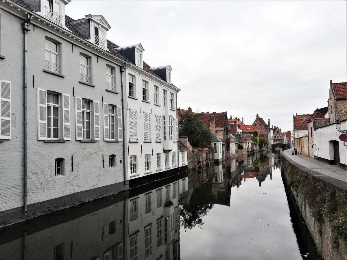 Вдоль городских каналов Брюгге можно бродить часами / Фото Марина Григоренко