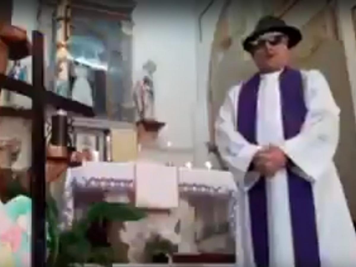 """Помилку священика назвали """"дивом господнім"""" / скріншот з відео"""