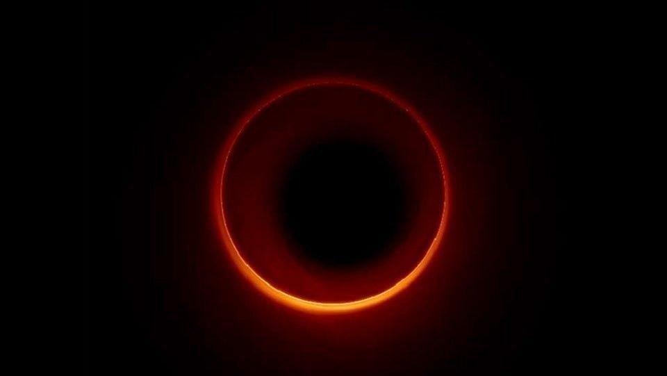 Новый вид черной дыры, который ученые смоделировали / The Crimson Garvard
