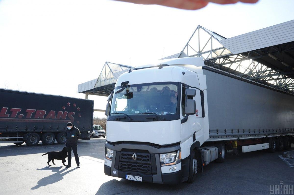 Польша выделит Украине 5 тыс. дополнительных разрешений на грузовые автоперевозки/ фото УНИАН